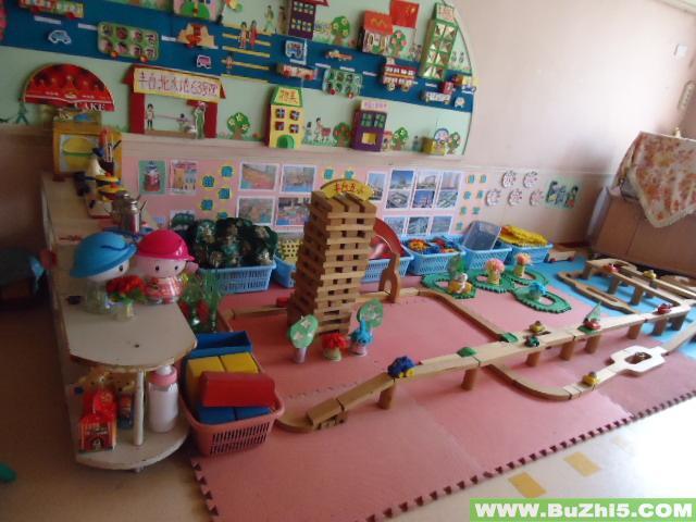 幼儿园中班国庆活动_小班娃娃家墙面布置