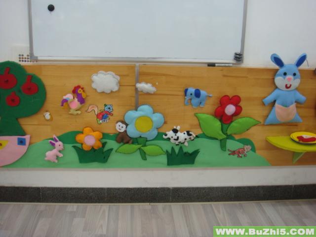 中班美工区墙面布置图片; 草地上做游戏小班墙面设计图片;; 幼儿园