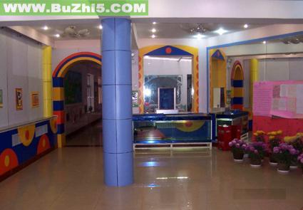 幼儿园室内门厅布置图片