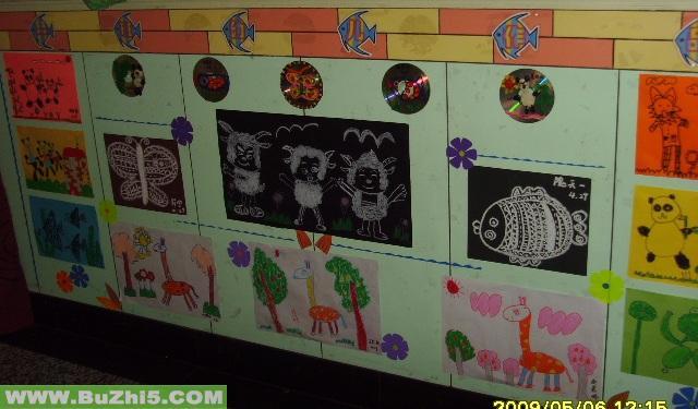 幼儿绘画作品展楼道布置图片