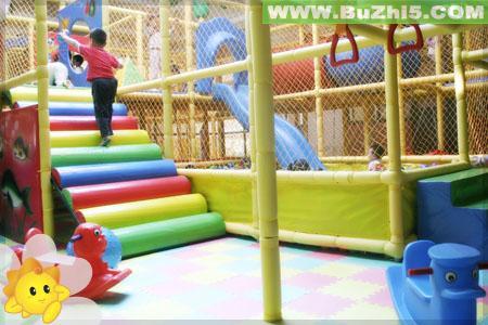 幼儿园大型户外玩具布置图片(第2页)